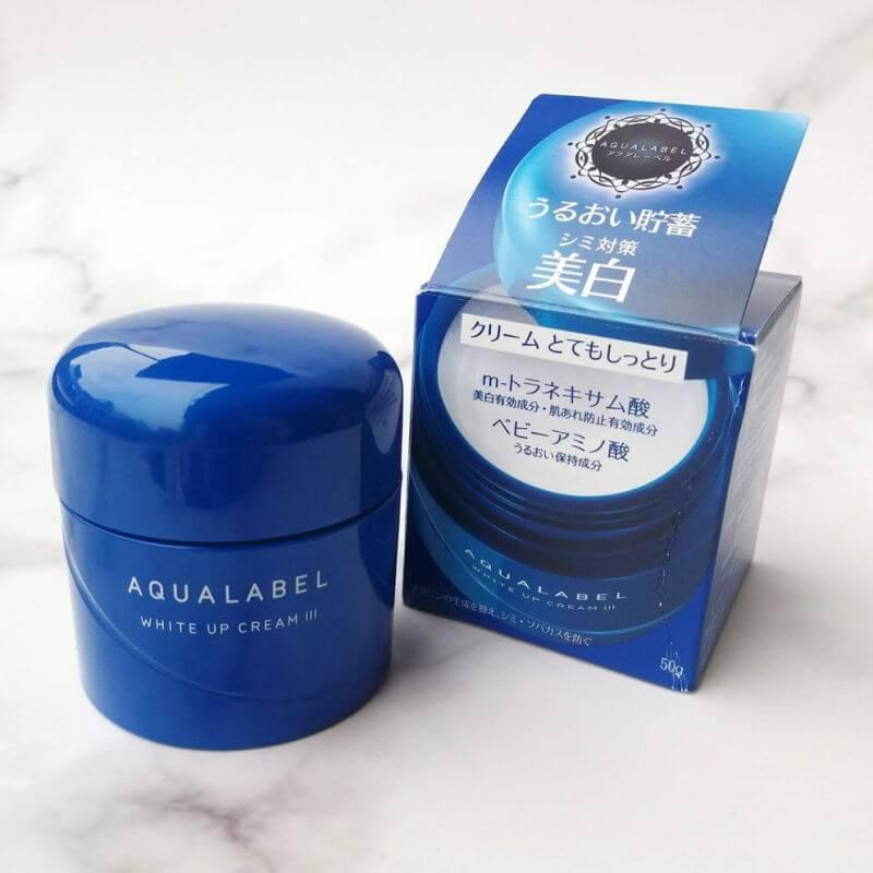Kem-duong-trang-da-Shiseido-Aqualabel-White-up-Cream-xanh