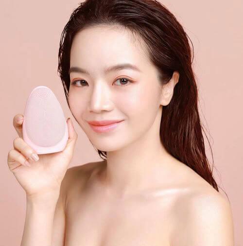 may-rua-mat-emmie-cam-nhan-beauty-bloger