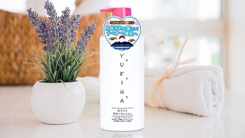 sua-tam-trang-da-yukina-white-body-wash-500ml